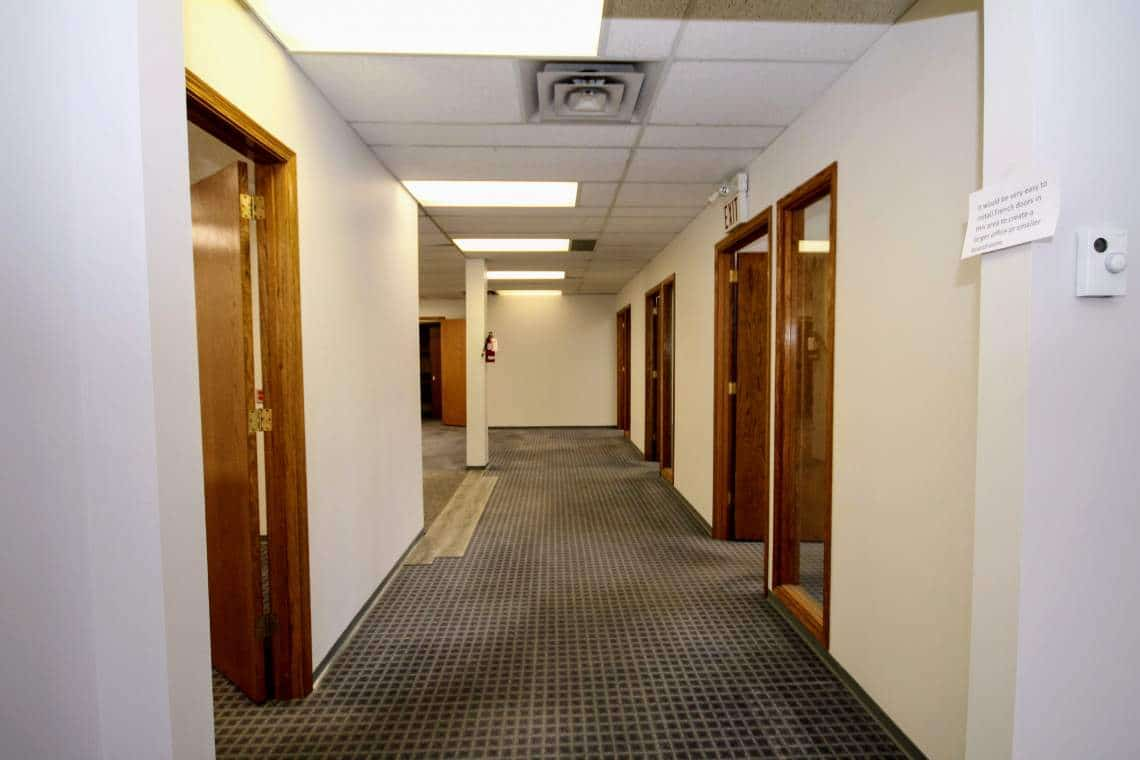 Hallway-offices with windows